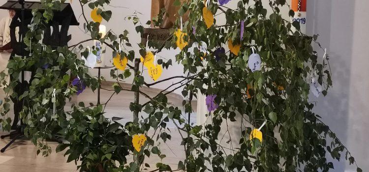 Sein, wie ein Baum… Gedenkgottesdienst stieß auf großes Interesse